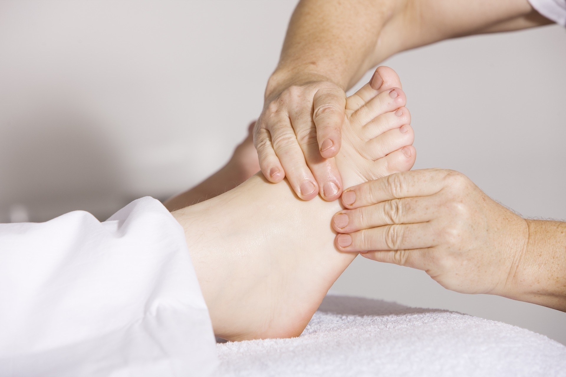 Foot Reflexology | distance training holistic | Reflexology Ottawa | SchoolofCT
